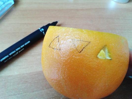lumanarele-portocale2